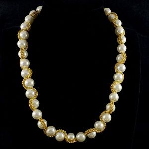 Vintage Faux Pearl Choker Necklace with Curb Chain